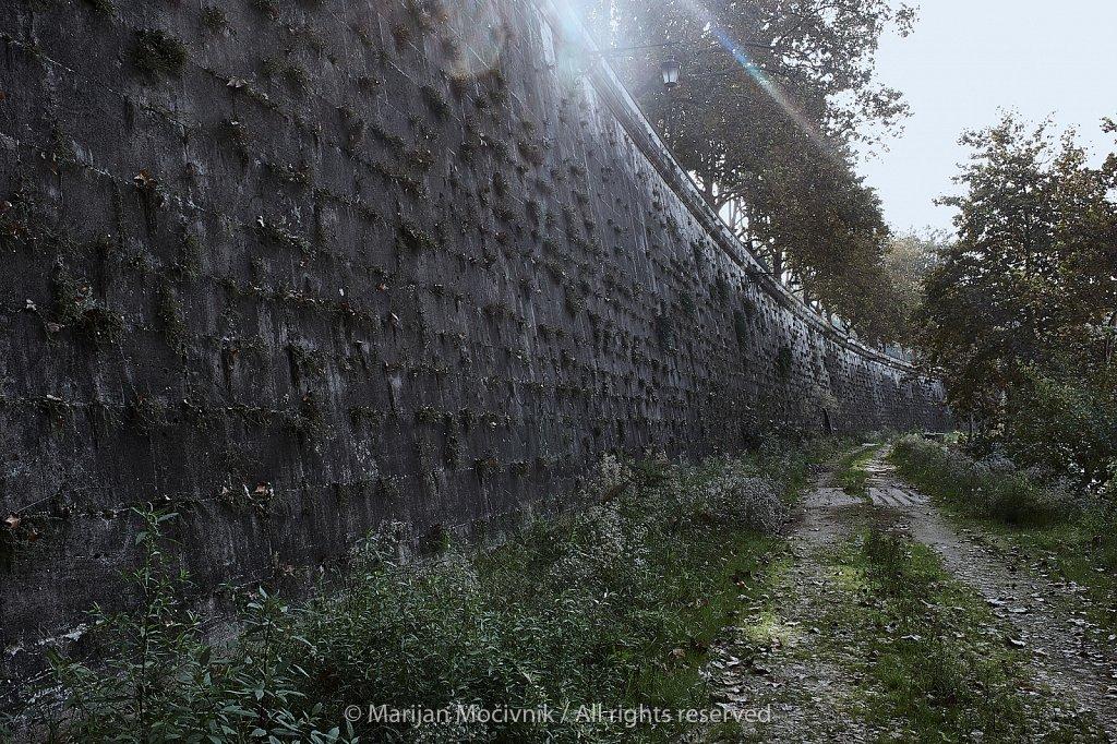 Zid-ob-Tiberi-Rim-7461-2048.jpg