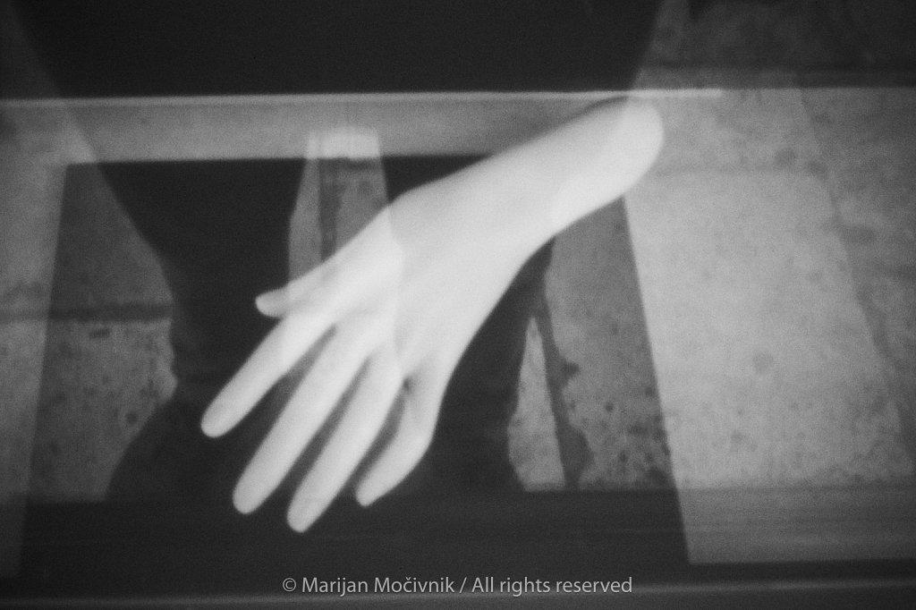 Roka-lutke-v-izlozbi-6855-2048.jpg